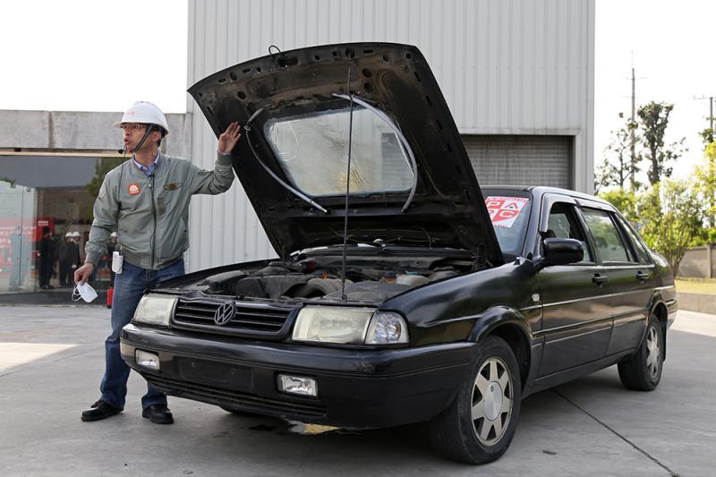 灭火管汽车发动机舱灭火试验