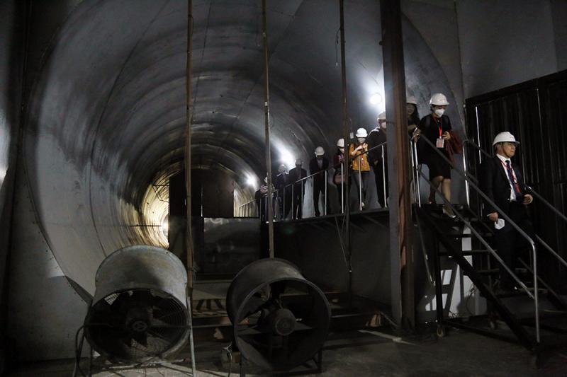 隧道的逃生走道