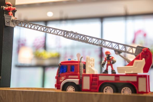 """肯德基""""消防主题餐厅"""""""